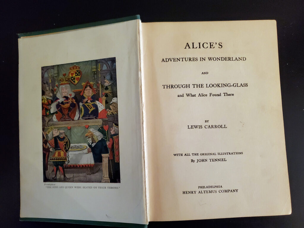 Alice in Wonderland and Through the Looking Glass - Inside2